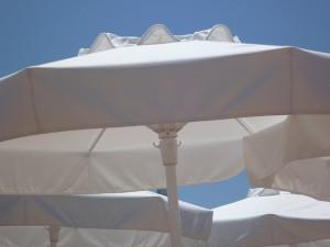 parasols-110271_640