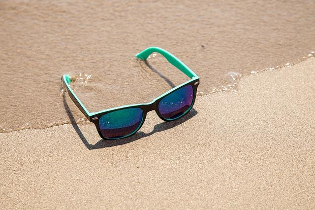 sunglasses-438429_640